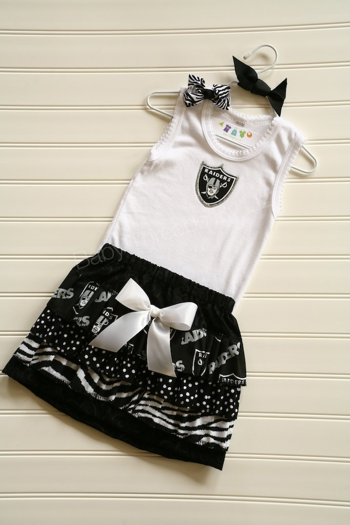 Oakland Raiders Skirt and Tank Combo  Available 0-3 months through Size 6/8. $39.00, via Etsy.    OH MAN!! my dad and jake will die when they see this.