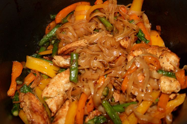 Major Must Haves - Blog  Thai noodles, bell peppers, asparagus, chicken