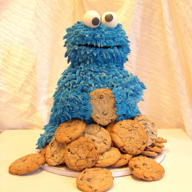 Awww a cookie monster cake!!!!
