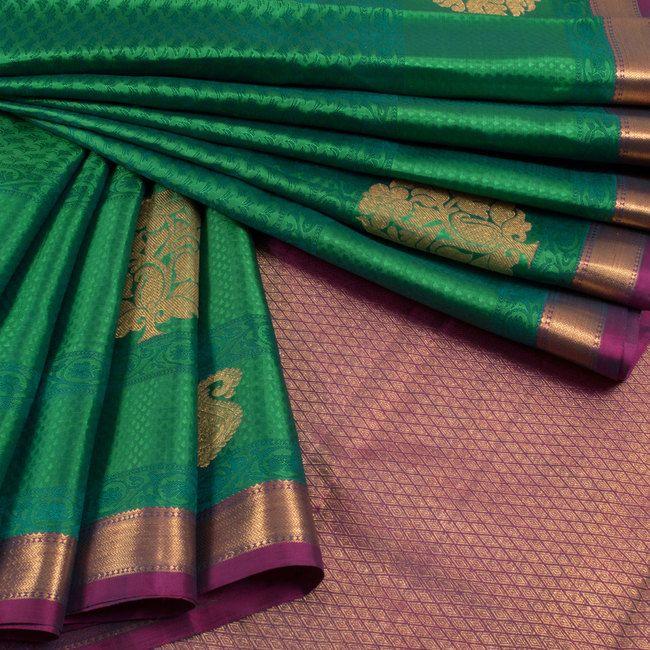 Handwoven Green Jacquard Kanchipuram Silk Saree With Floral Motifs 10012939 - AVISHYA.COM
