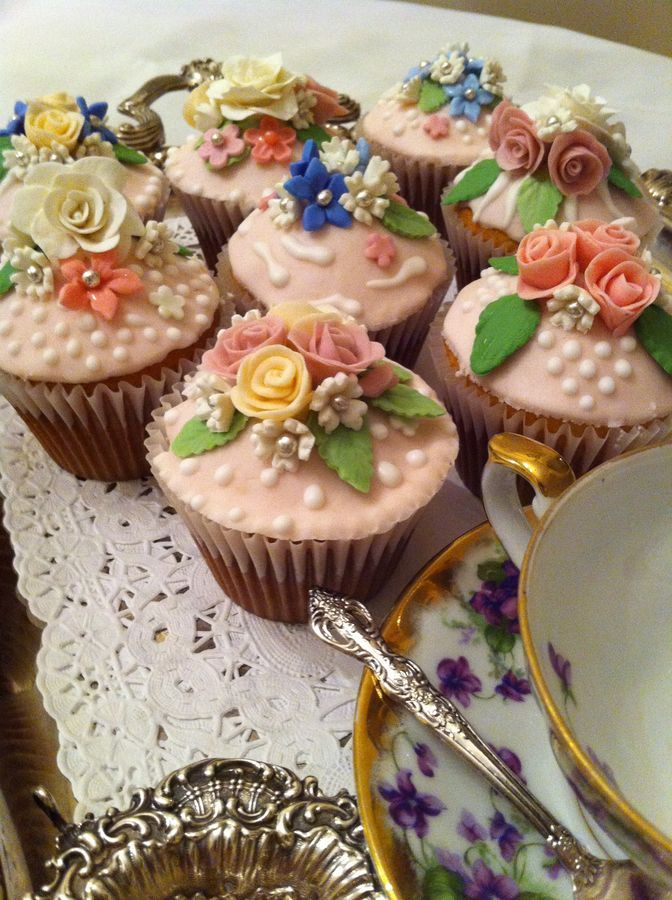 Victorian cupcakes.  Pretty as a picture.