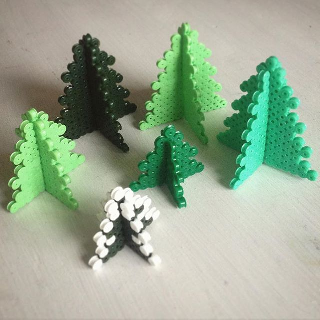 Christmas tree perler beads by jushou
