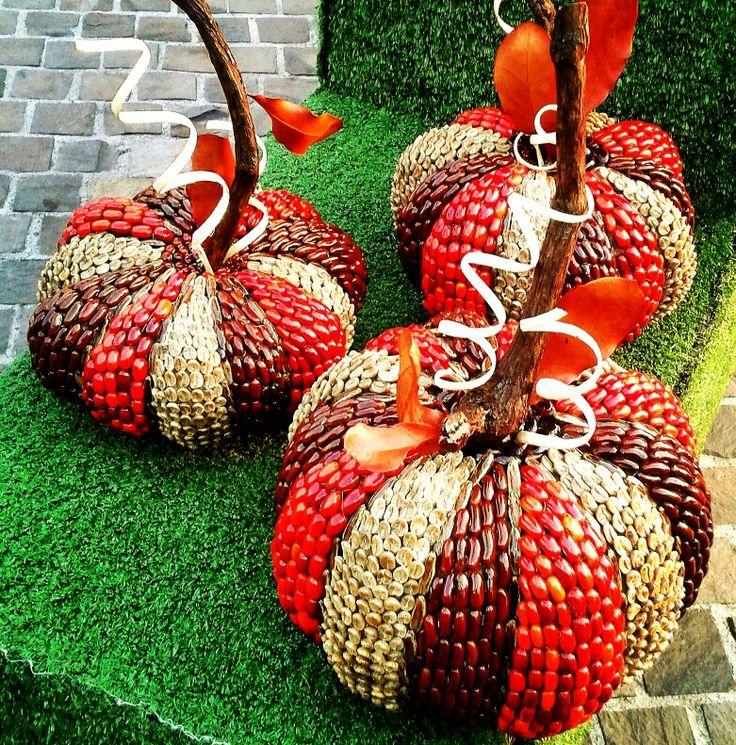 Grain Art Fall Halloween decor Pumpkins made with seeds/ Arte con granos guicoys para decoración de Otoño por Decoesferas
