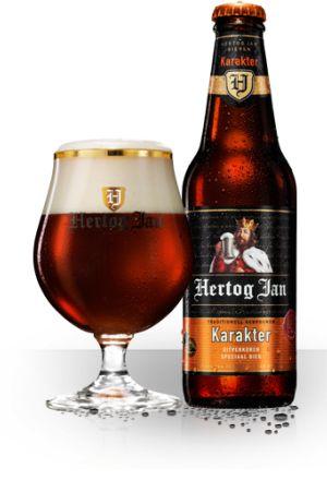 Karakter - Hertog Jan Karakter is een echte Nederlandse Ale gebrouwen van het speciale Hertog Jan Mout. Hertog Jan Mout, een uitgelezen selectie prestigemout, bestaat uit wel vier moutsoorten. Dit geeft het bier een fruitige smaak met volwassen bittertonen. Daarnaast heeft Hertog Jan Karakter de volle en warme kleur van roodkoper.