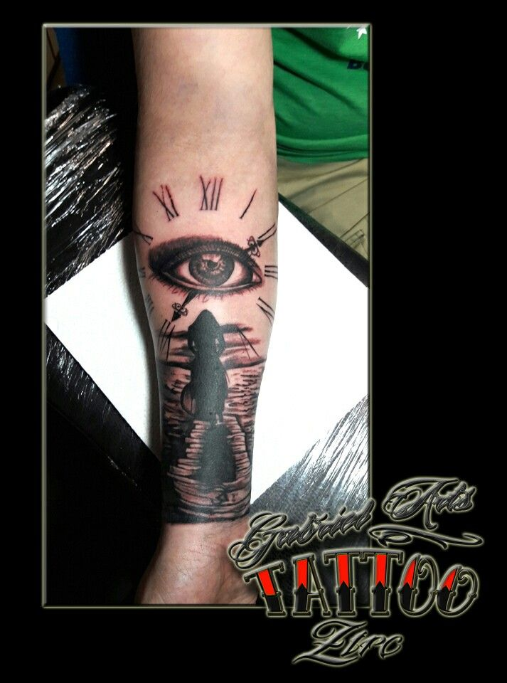 Clock&eye tattoo