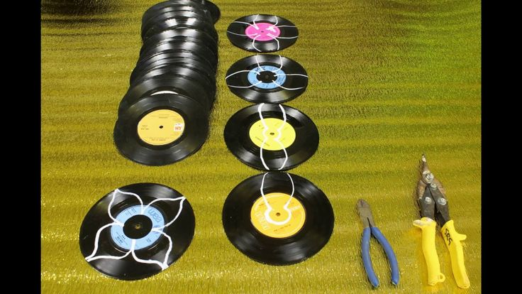 Artist makes 12 Roses using Vinyl records, as a Gift for Valentines Day