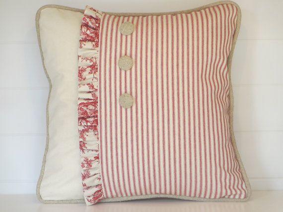 Les 25 meilleures id es de la cat gorie oreillers shabby chic sur pinterest oreillers d 39 poque for Chambre rouge et blanc casse
