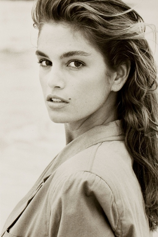 Cindy Crawford - the reason why I never even thought to be ashamed of my beauty marks on my face :)