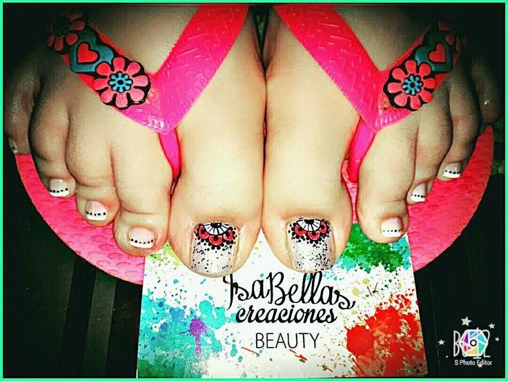 #arteconamor #uñaslindas #beauty #isabel #mandalas #nails #masglo #decoraciónconfrances #pies