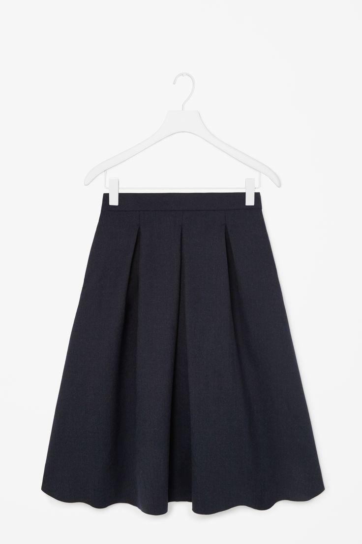 Pleated wool skirt