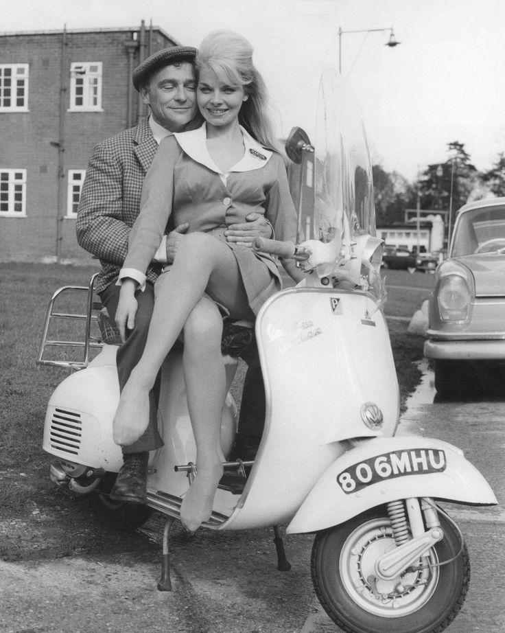 Kenneth Connor and Marian Horton in Carry On Cabby. 1963
