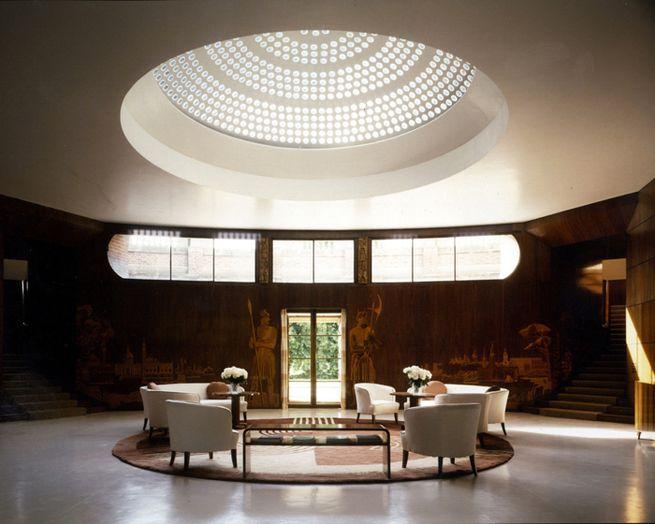 Un Palais Art Déco dans la campagne anglaise   Architecture ...