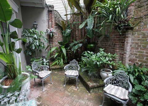 """New Orleans Style Courtyards   Transforms 3 New Orleans Courtyards: """"At the end of this courtyard ..."""