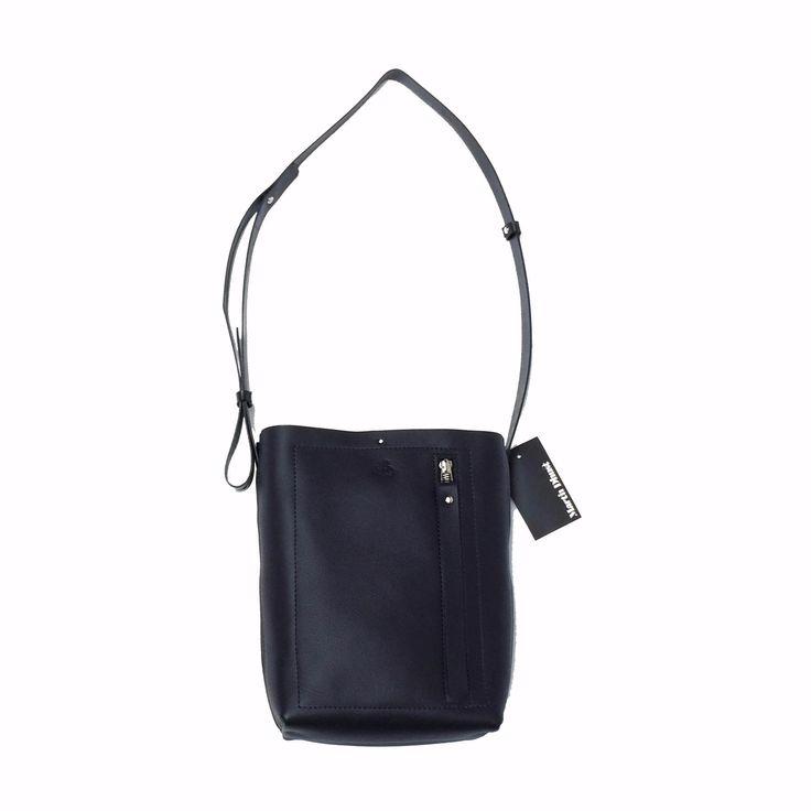 Mini clyde Martin Dust leather bag cuire sac à main minimaliste long straps black Montréal: