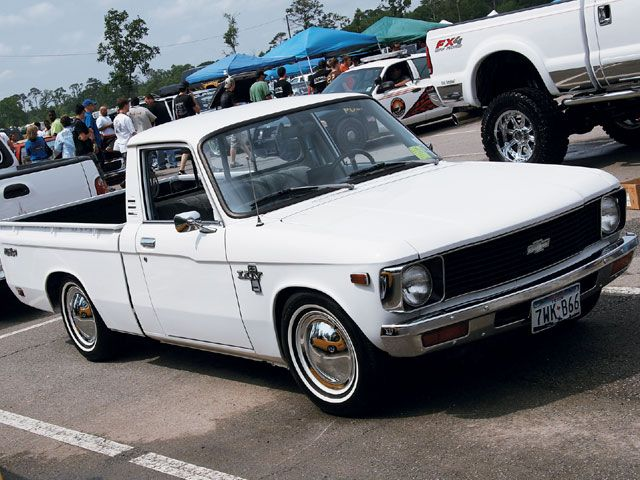 Chevrolet Luv Front Passenger Side View