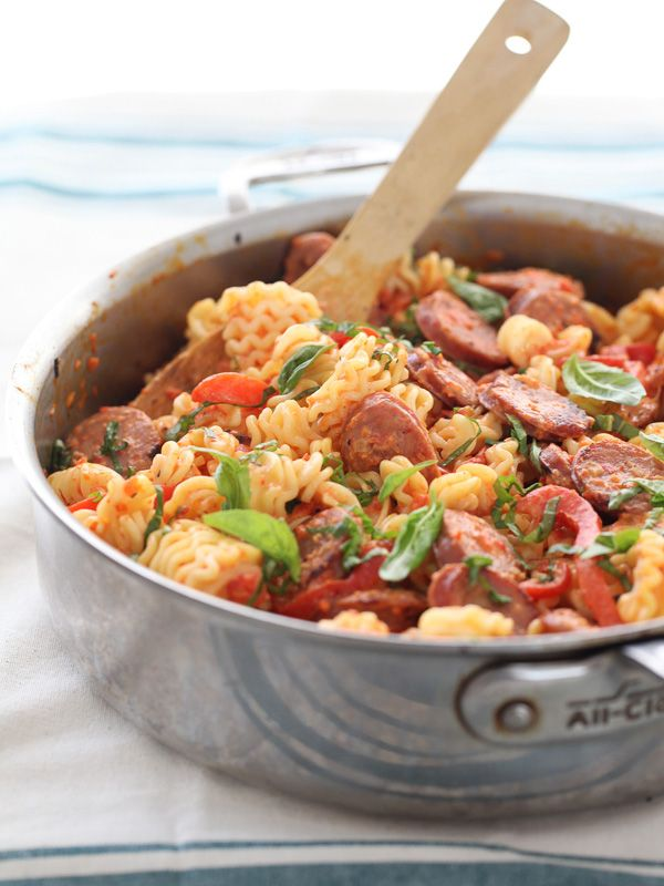 Creamy red pepper and chicken sausage pasta