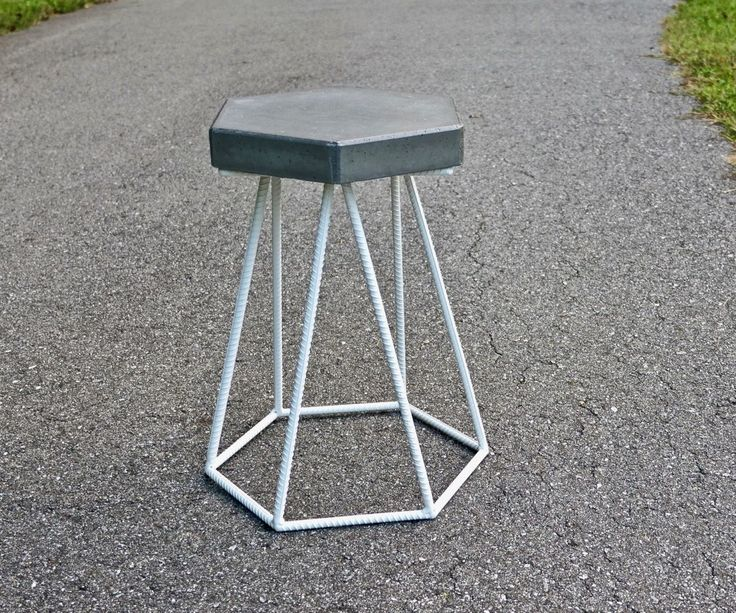 Awesome DIY Concrete And Steel Outdoor End Table