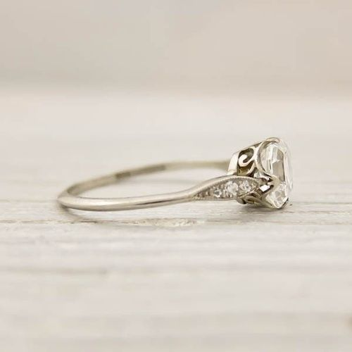 Vintage engagement ring, simple and pretty | Tumblr  Oh my gooness! It's SO elegant! love the off silver and swirls!
