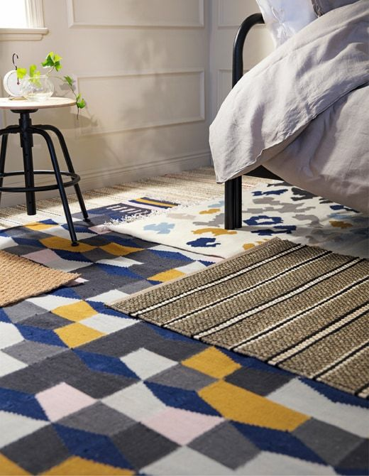 Alvorlig Create a quieter bedroom with layers of rugs on the floor. IKEA SP-43