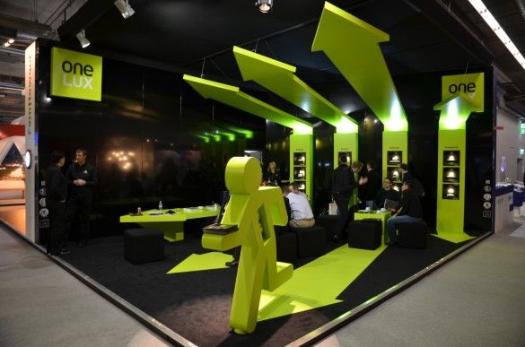 Now that's eye-catching! (and note the guy running - creative way to display an iPad) - One-LUX stand 2012