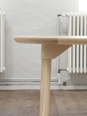 SAM Dining Table Series for Fogia | Note Design Studio, Andreas Engesvik, Stefan Borselius.