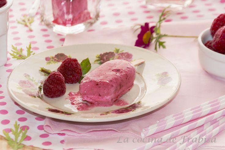 Receta de helado de frambuesas con crema de queso. Sin heladera
