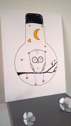 Des illustrations entièrement réalisées à la main au feutre noir fin ou Posca®  dimension de l'affiche 24x32 sur papier aquarelle 200g    Délicatement glissée sous un ca - 20546701