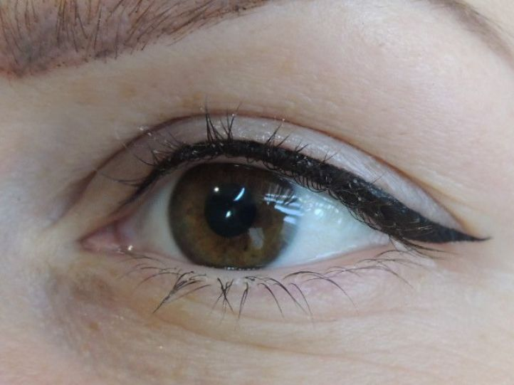 Permanent eyeliner makeup: eyeliner tattoo