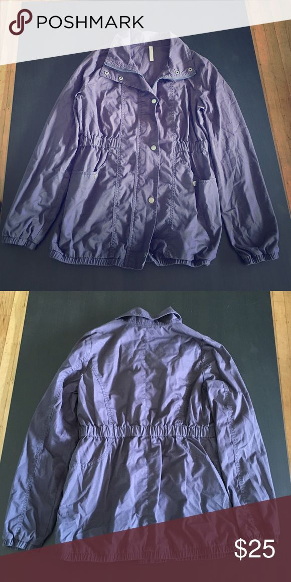 Old Navy parka utility jacket Great jacket to have for layering. This jacket have an additional lining on the inside that will keep you warm, yet its lightweight. Wore once only. In very good condition. Color: navy blue Old Navy Jackets & Coats Utility Jackets