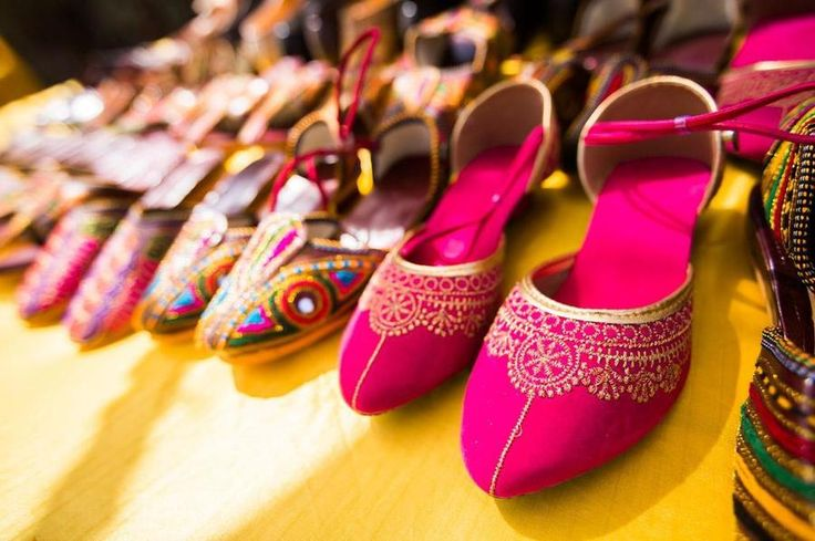 Pop of colour, pop of fun and pop of confidence is all you need to dance it away in these juttis. #Jutti, #IndoWestern #BridalFootwear
