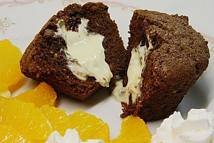 Schokoladentörtchen mit flüssiger weißer Schokolade 1