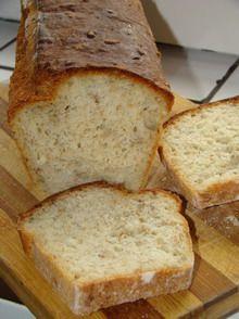 chleb wieloziarnisty z chrupiącą skórką