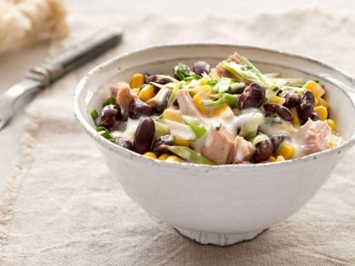 Rezept Bohnen-Mais-Salat mit Thunfisch, unser Rezept Bohnen-Mais-Salat mit Thunfisch - gofeminin.de