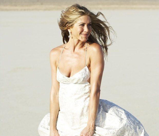 Η Jennifer Aniston με εφαρμοστό κολάν γυμναστικής και καταϊδρωμένη