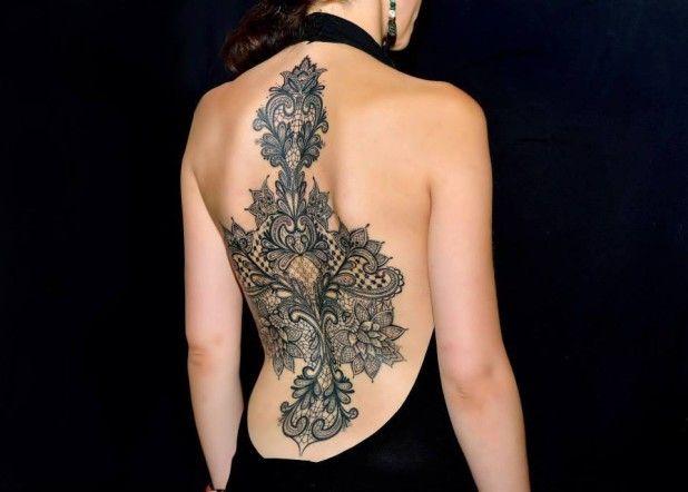Quand le tatouage rejoint la haute-couture... Le résultat est visiblement bluffant !