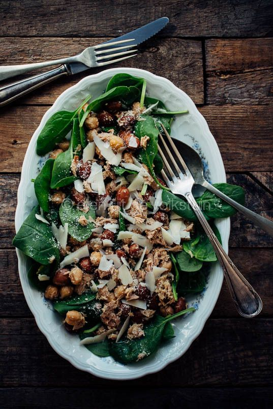 Salade met borlottibonen, spinazie en tonijn - http://www.volrecepten.nl/r/salade-met-borlottibonen--spinazie-en-tonijn-15467272.html