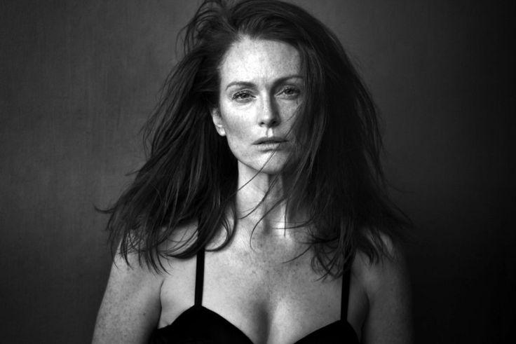 http://www.hawtcelebs.com/wp-content/uploads/2016/12/julianne-moore-in-pirelli-calender-2017_1.jpg