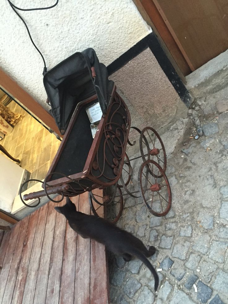 #antique#old#alacati#baby#stroller#babycarriage