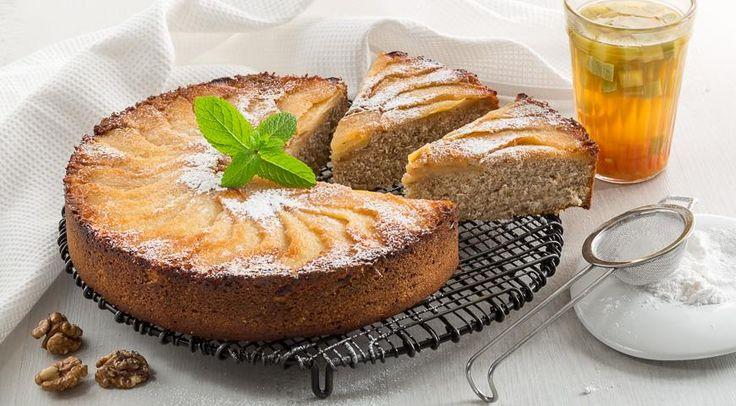 Пирог с айвой и орехами