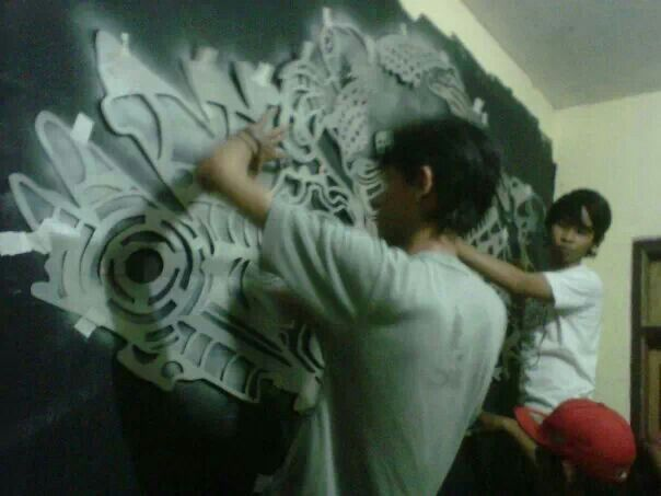 Graffiti art stencil progres suck12 indonesia