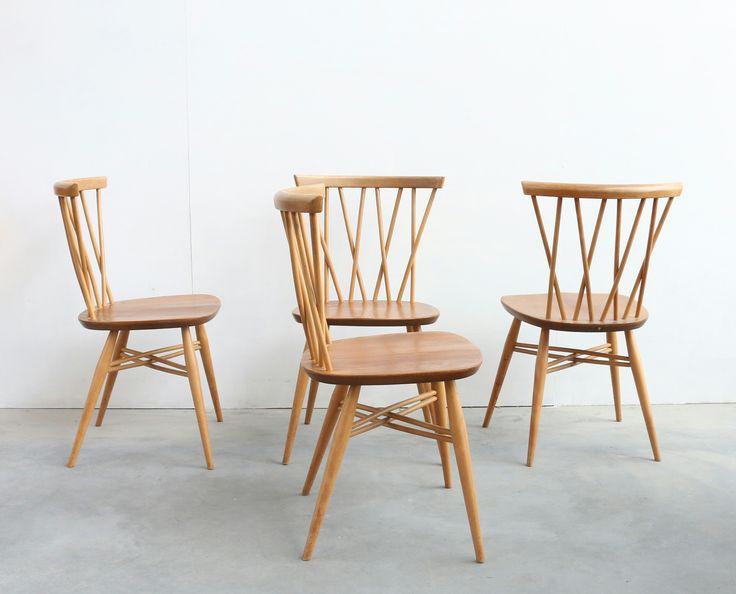 Prachtige set van 4 Ercol stoelen. John lewis Engels Prijs per stoel, in set te koop Deze set verkeerd in een zeer goede staat.