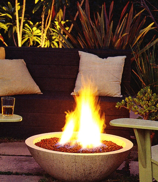 Make a wok #garden planter into a fire pit to warm any patio.