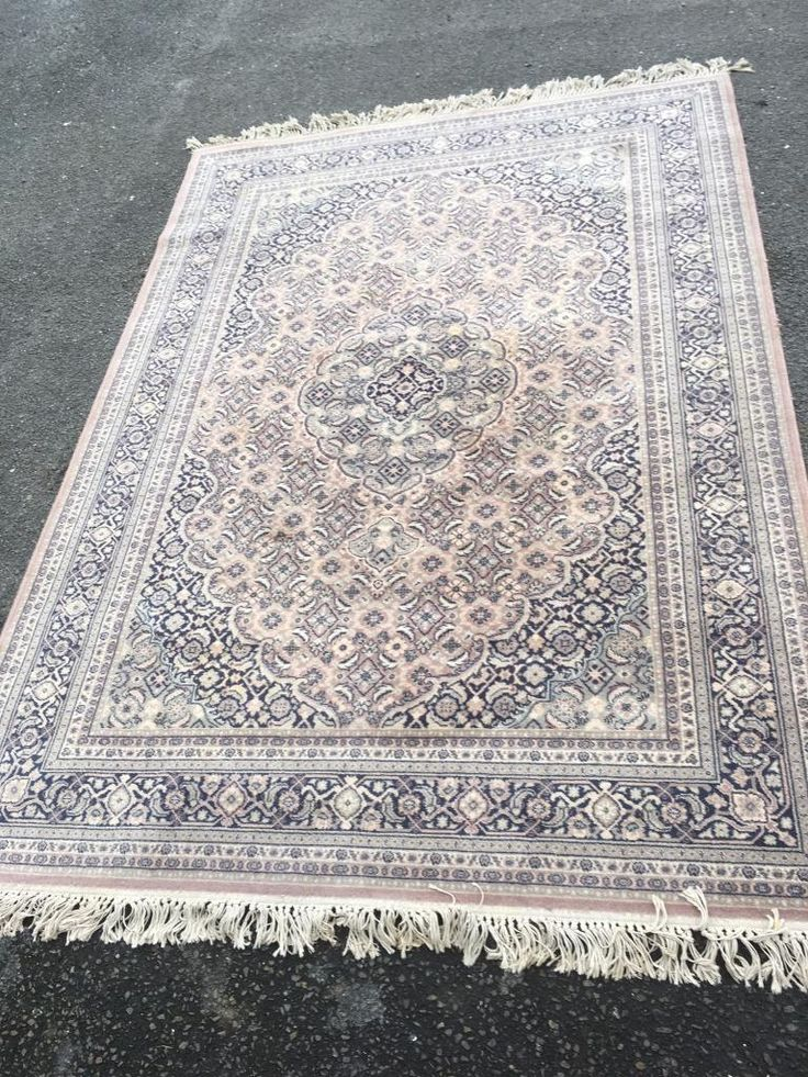Very large wool floor rug carpet excellent quality