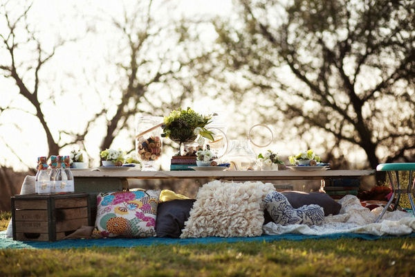relaxed outdoor picnic