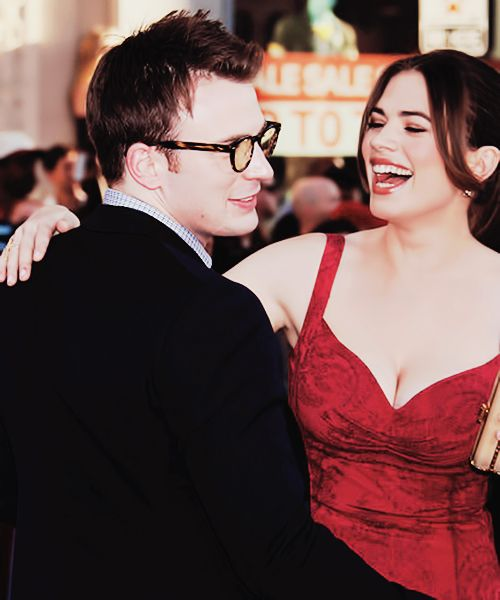 Chris Evans & Hayley Atwell | Captain America Los Angeles Premiere 2011