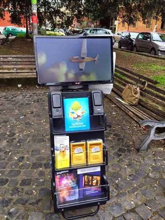 High Tech Public witnessing Cart with video monitors for showing video's.