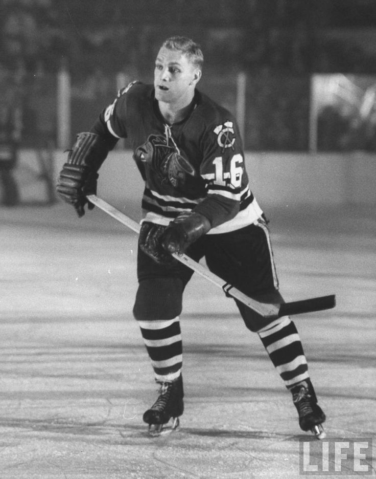 Bobby Hull wearing Number 16