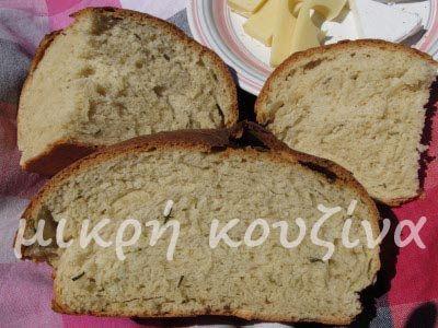 μικρή κουζίνα: Ψωμί με μπύρα και φρέσκο δεντρολίβανο