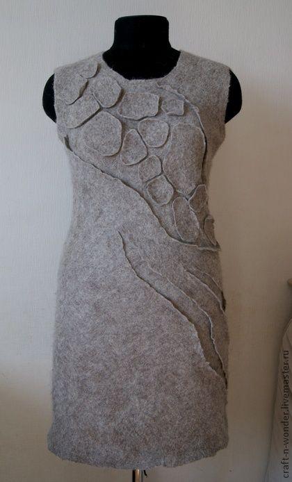 "Валяная туника `Терра.  Using ""cracked mud"" technique."