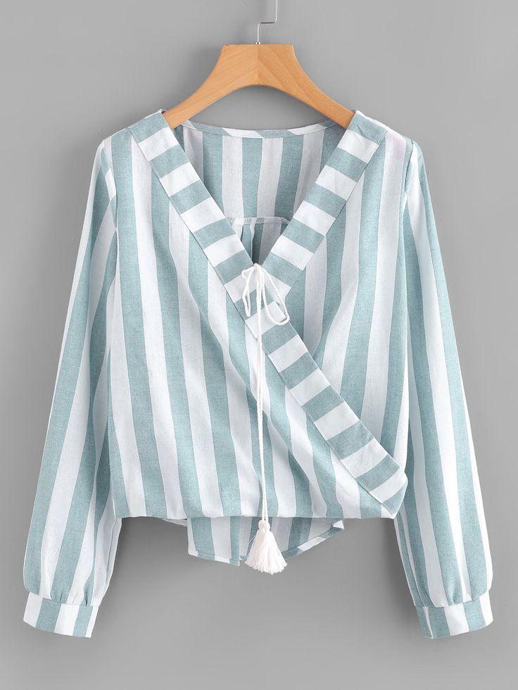 Модная блуза в полоску с запахом